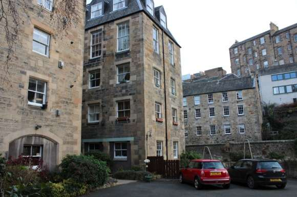 2 Bedrooms Flat for sale in Dean Path, West End, Edinburgh, EH4