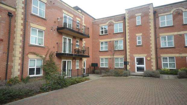 2 Bedrooms Apartment Flat for sale in Compass House, South Street, Reading