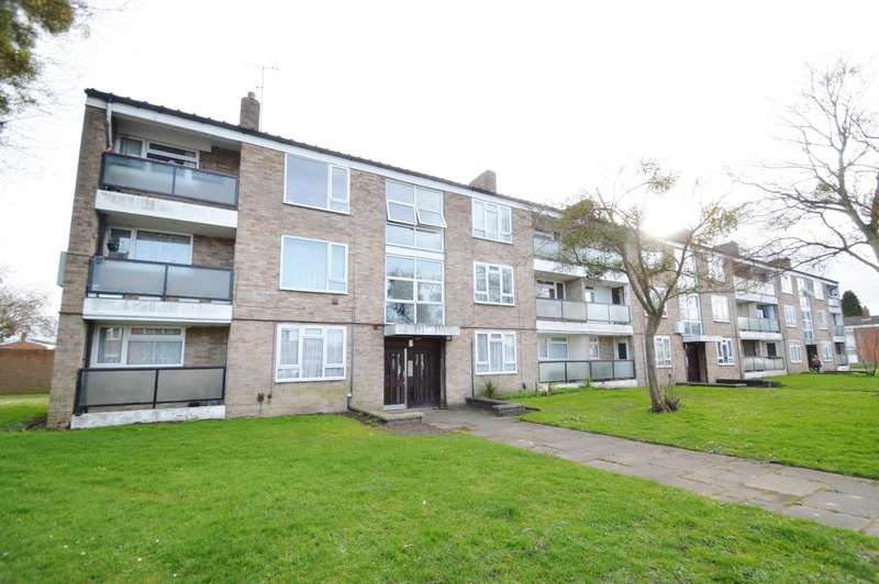 2 Bedrooms Flat for sale in Minster Way, Langley, SL3