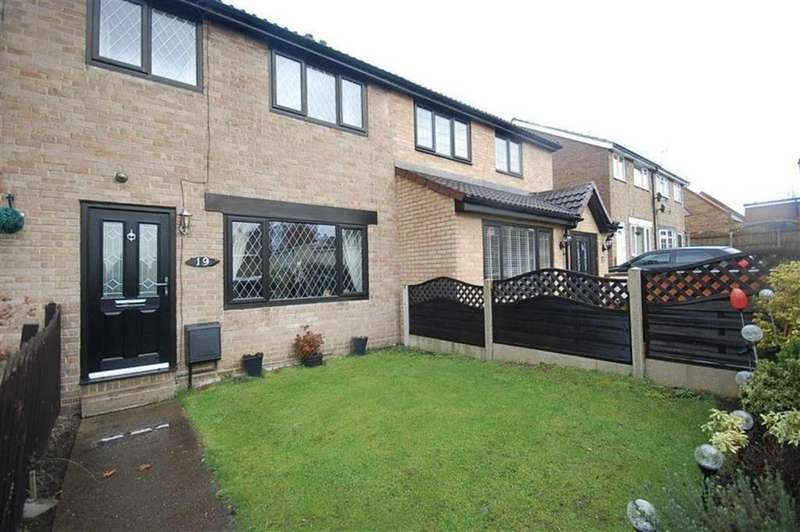 3 Bedrooms Mews House for sale in Westfield Road, Heckmondwike, WF16