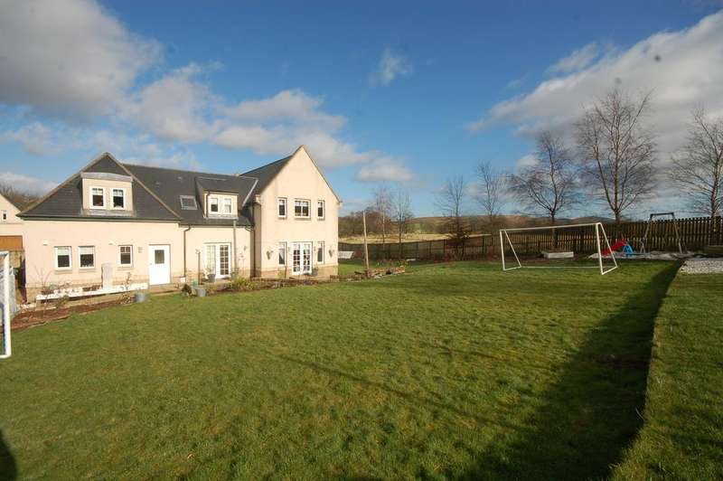 5 Bedrooms Detached House for sale in Michael Bruce Court, Forestmill, Dollar FK10