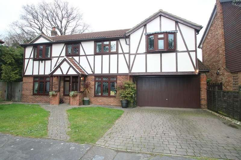 5 Bedrooms Detached House for sale in Pargeters Hyam, Hockley