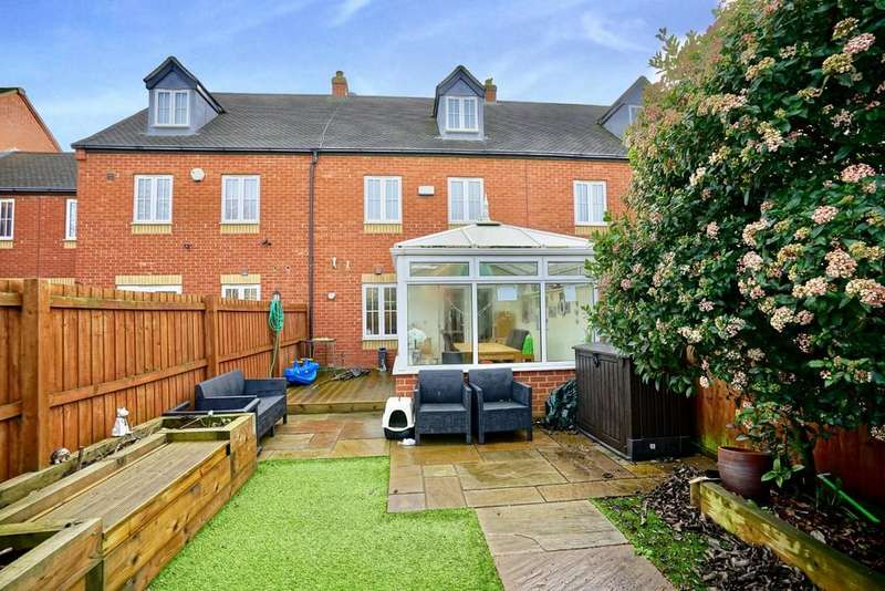 4 Bedrooms Terraced House for sale in Banks Drive, Sandy