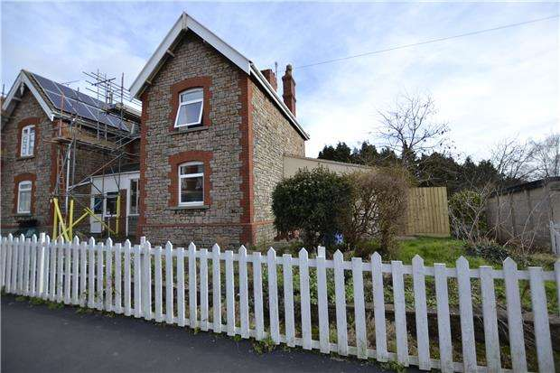 3 Bedrooms Semi Detached House for sale in Woodwell Rd, BRISTOL, BS11 9UP