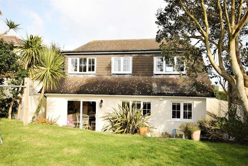 3 Bedrooms Detached House for sale in Chapel Hill, Bolingey, Perranporth