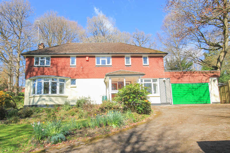 4 Bedrooms Detached House for sale in Furzefield Chase, Dormans Park