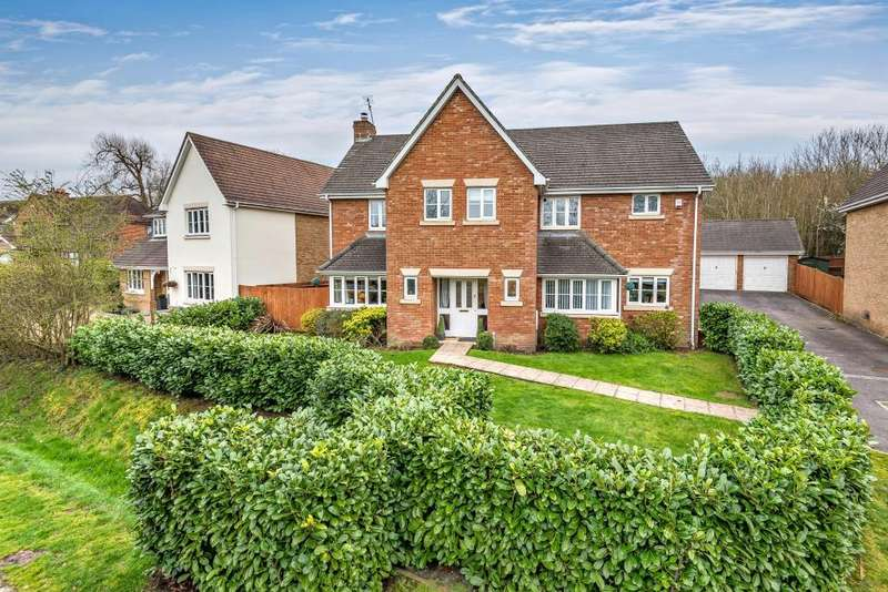 5 Bedrooms Detached House for sale in Priory Lane, Warfield, Berkshire, RG42