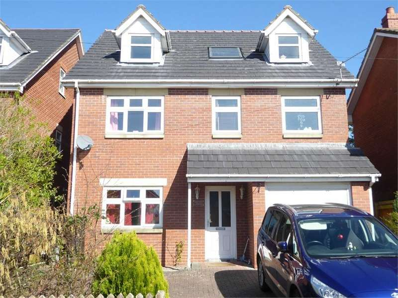 5 Bedrooms Detached House for sale in Lawrence Crescent, Caerwent
