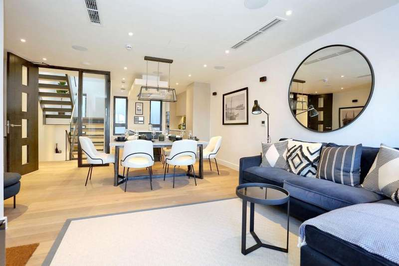 3 Bedrooms House for sale in Crabtree Lane, Fulham, SW6
