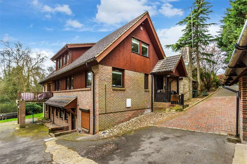4 Bedrooms Detached House for sale in Wilderness Road, Oxted, Surrey, RH8