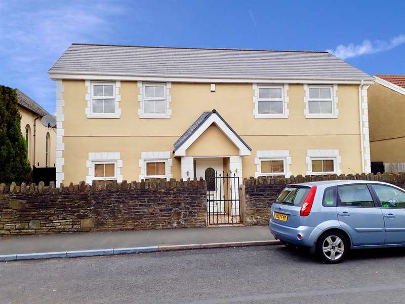 4 Bedrooms Detached House for sale in High Street, Nelson, Treharris