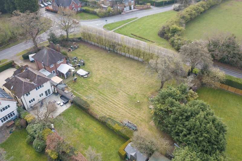 3 Bedrooms Detached House for sale in Hedgerley Hill, Hedgerley, SL2