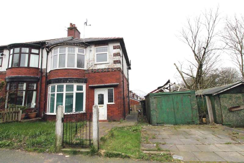 3 Bedrooms Semi Detached House for sale in Captains Clough Road, Bolton