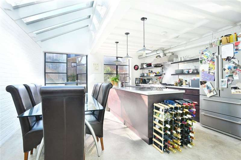 3 Bedrooms Terraced House for sale in Anstey Road, Peckham Rye, London, SE15