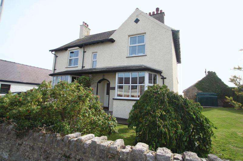 3 Bedrooms Detached House for sale in Moelfre, Anglesey
