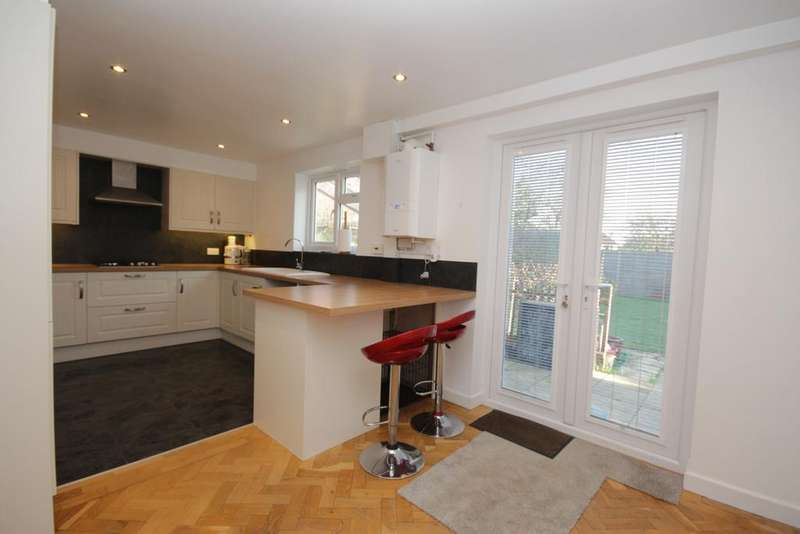 3 Bedrooms Terraced House for sale in Headington Road, Maidenhead