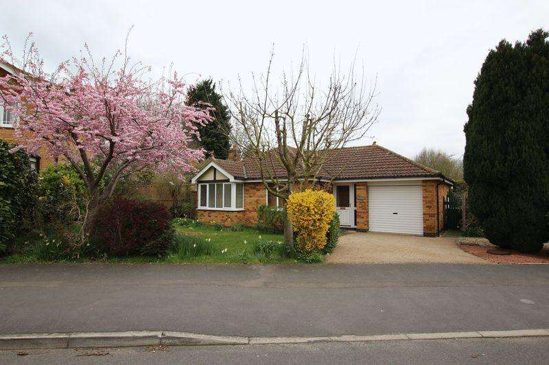 3 Bedrooms Bungalow for sale in 13 Beckhall, Welton, Lincoln