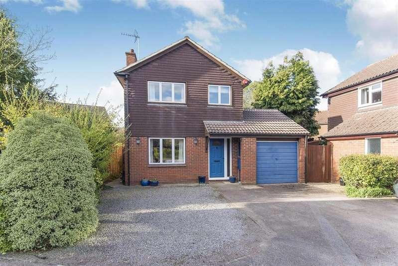 3 Bedrooms Detached House for sale in Sapphire Close, Wokingham, Berkshire, RG41 3DU