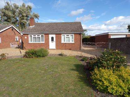 3 Bedrooms Bungalow for sale in Welney, Norfolk