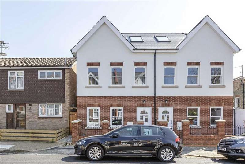 5 Bedrooms Semi Detached House for sale in Pendle Road, Furzedown