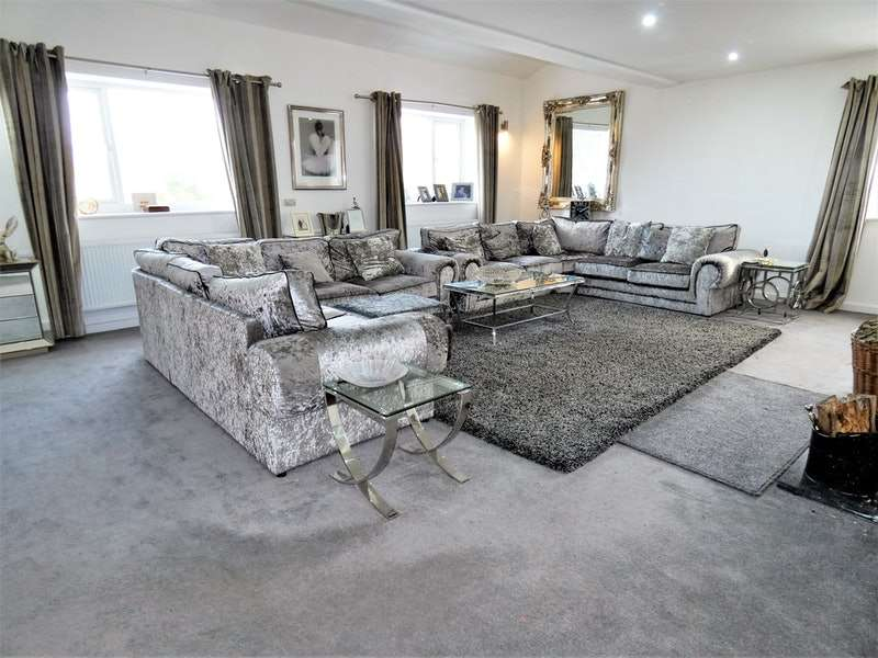 6 Bedrooms Detached House for sale in Bryn Gwyn Lane, Northophall, Flintshire, CH7