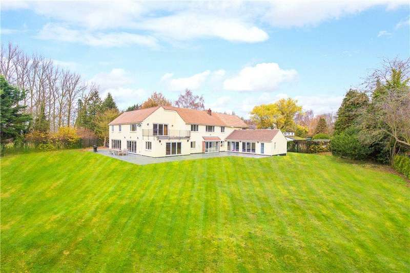5 Bedrooms Detached House for sale in Grange Road, Blunham, Bedford, Bedfordshire