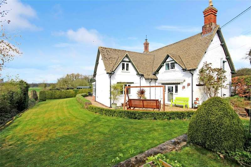 3 Bedrooms Detached House for sale in Compton Bassett, Compton Bassett, Calne, Wiltshire, SN11