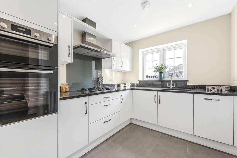 3 Bedrooms Detached House for sale in Oakridge, Eastern Road, Bracknell, Berkshire, RG12