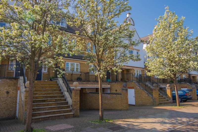 4 Bedrooms House for sale in Admiralty Way, Teddington, TW11