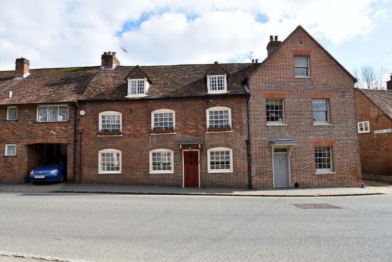 4 Bedrooms Terraced House for sale in Church Street, Chesham, HP5