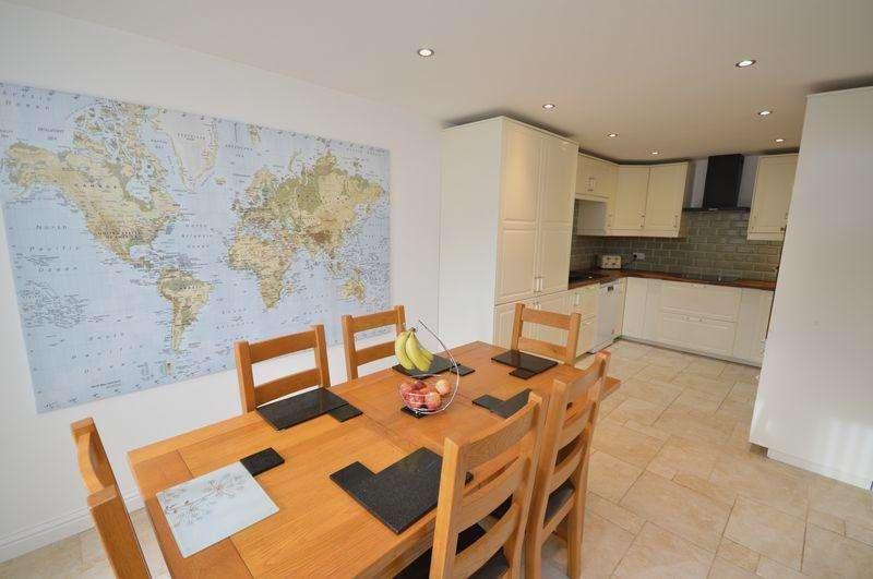 4 Bedrooms Semi Detached House for sale in Greylands Road, Bristol