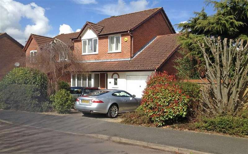 3 Bedrooms Detached House for sale in Jardine Drive, Bishops Cleeve, Cheltenham, GL52