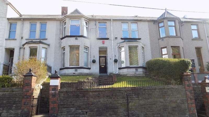 4 Bedrooms Terraced House for sale in Oak Street, Abertillery, Gwent. NP13 1TF.