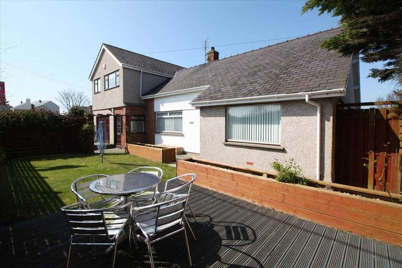 5 Bedrooms Detached House for sale in Avalon, Station Road, Rhosneigr