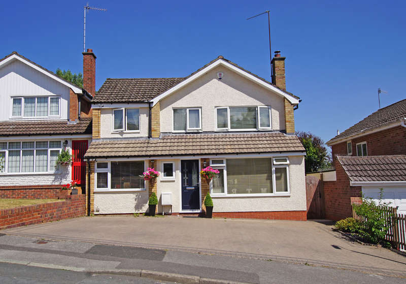 4 Bedrooms Detached House for sale in Ashmead Rise, Cofton Hackett, B45 8AD