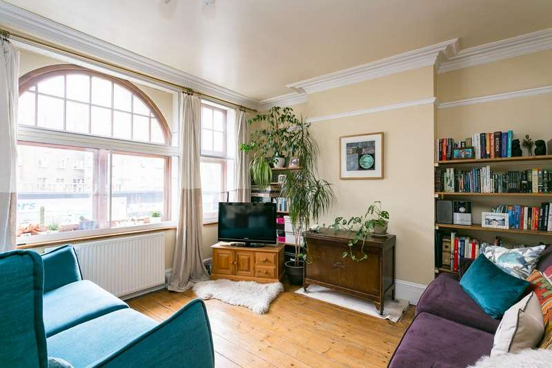 3 Bedrooms Flat for sale in Streatham High Road, Streatham Hill