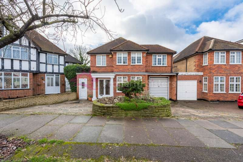 4 Bedrooms Detached House for sale in Cloister Gardens, Edgware, HA8