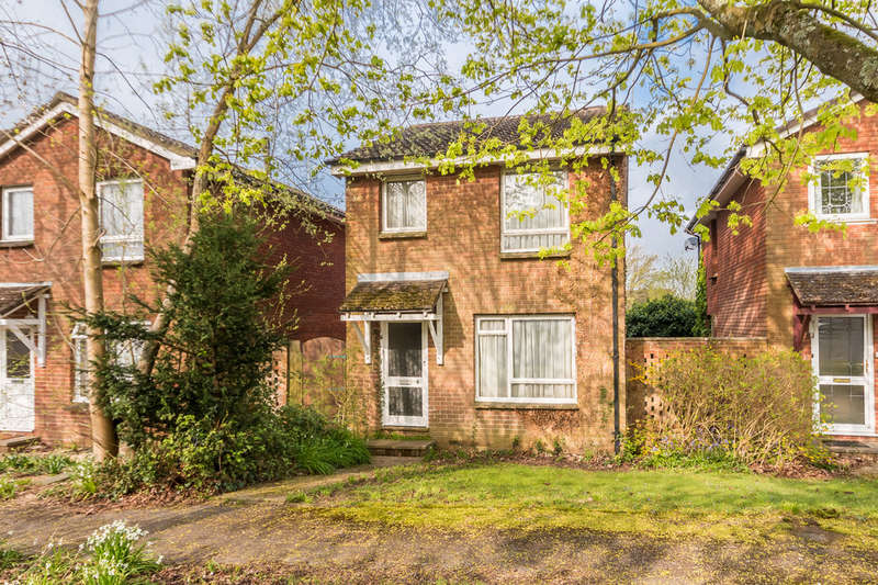 3 Bedrooms Detached House for sale in The Mount, Ringwood, Hampshire