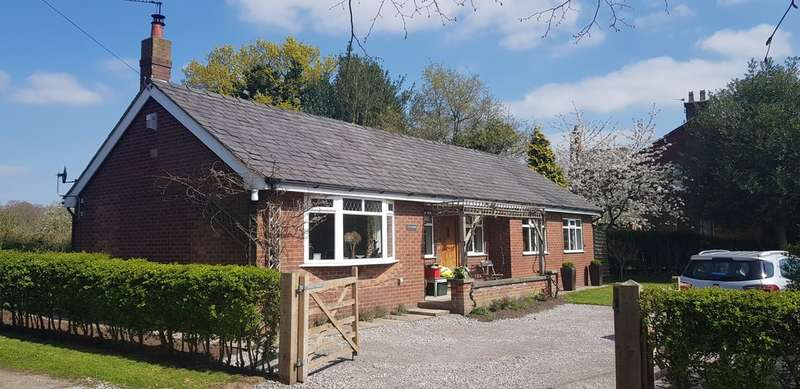 3 Bedrooms Detached Bungalow for sale in Dicklow Cob, Lower Withington, Near Macclesfield