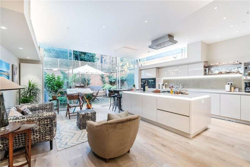 5 Bedrooms Semi Detached House for sale in Glenilla Road, London, NW3