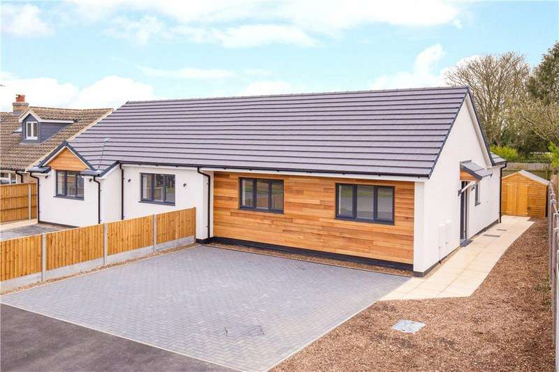 2 Bedrooms Semi Detached Bungalow for sale in Loring Road, Sharnbrook, Bedford, Bedfordshire