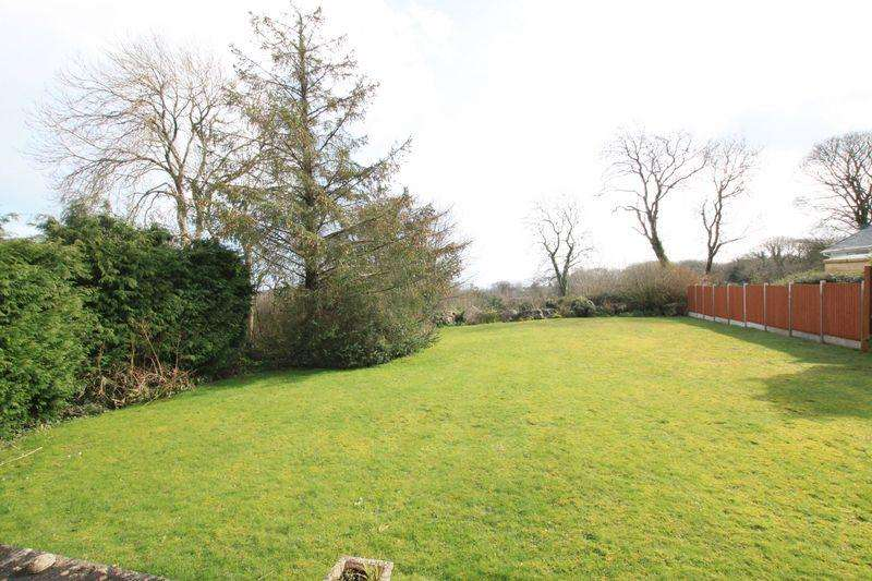 3 Bedrooms Detached Bungalow for sale in Marianglas, Anglesey