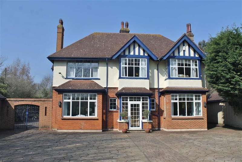 5 Bedrooms Detached House for sale in Sole Street, Cobham