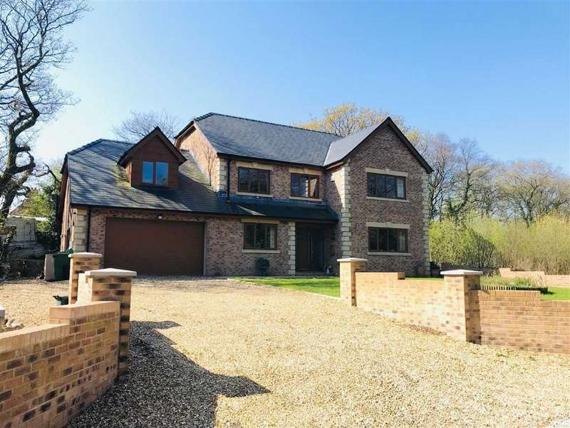 7 Bedrooms Detached House for sale in Mwrwg Road, Llangennech, Llanelli