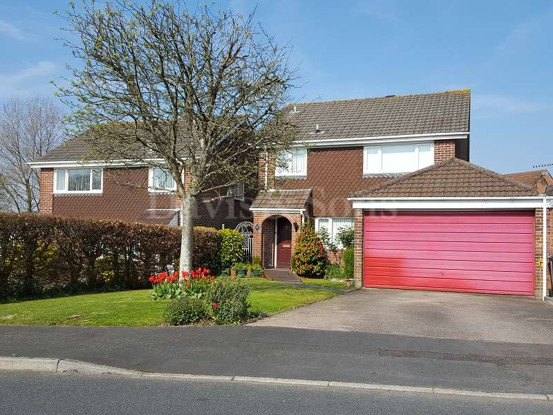 4 Bedrooms Detached House for sale in Brunel Avenue, Rogerstone, Newport, Gwent. NP10 0DN