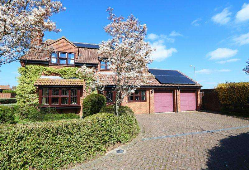 4 Bedrooms Detached House for sale in Griffin Road, Thame