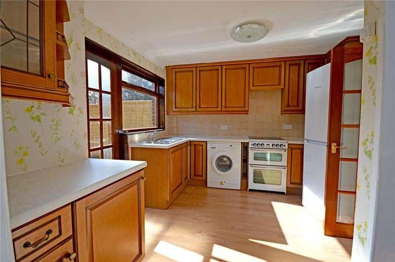 3 Bedrooms Terraced House for sale in Nicholls Field, Harlow, Essex, CM18