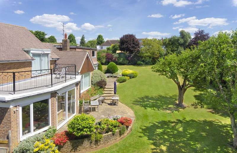 7 Bedrooms Detached House for sale in The Droveway, Hove, East Sussex, BN3