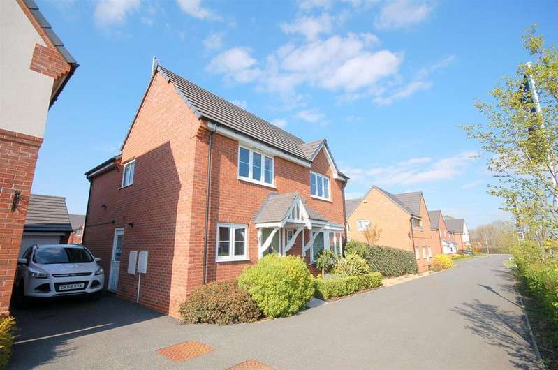4 Bedrooms House for sale in Barn Field Close, Crewe