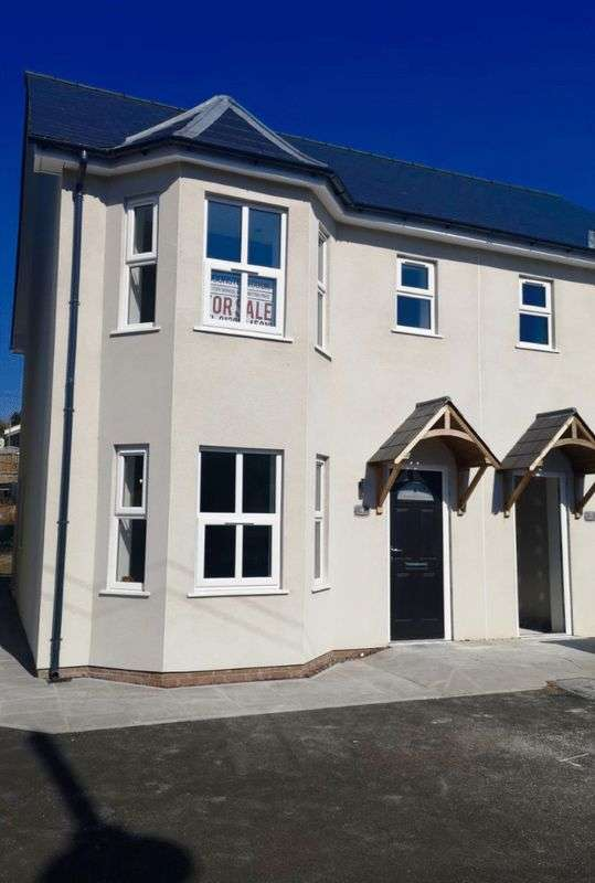 3 Bedrooms Property for sale in The Terrace, Tredegar